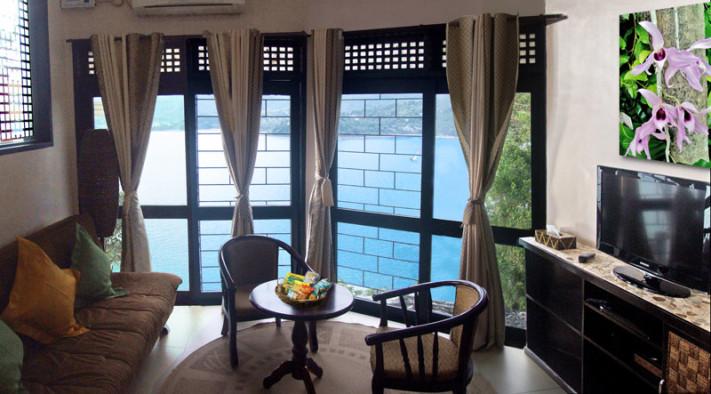 puerto galera resort honeymoon suite