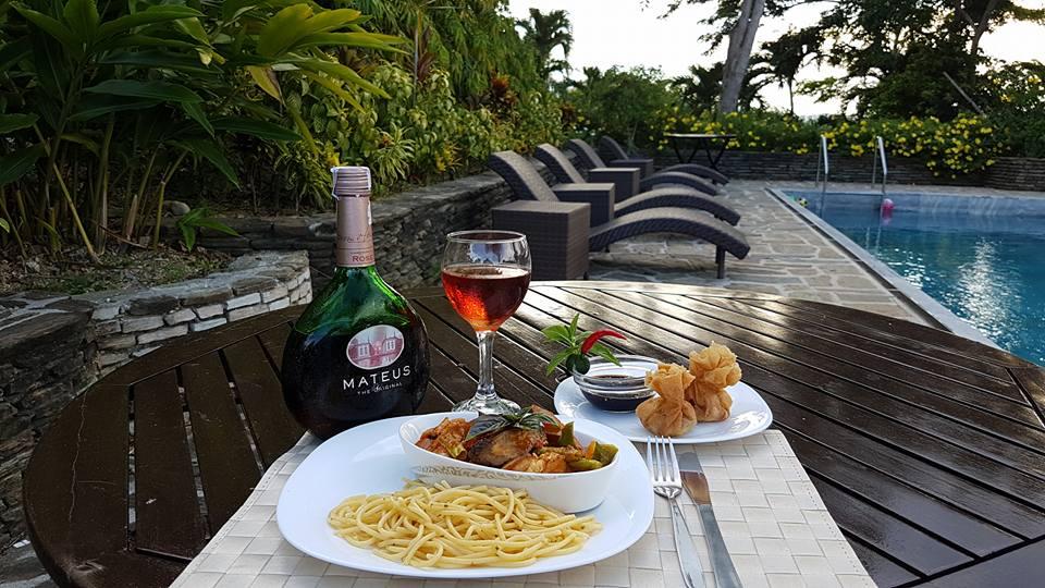utopia resort puerto galera restaurant
